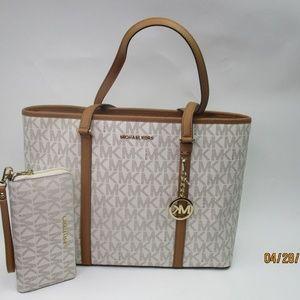 Michael Kors SADY Large Vanilla Tote with Wallet